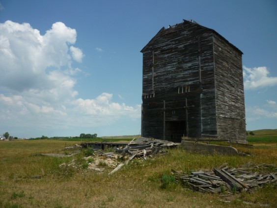 Grain elevator in Crandall, S.D.