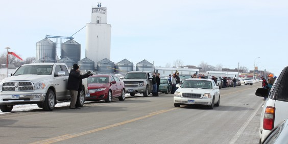 Garry Cunningham and his family leave Faulkton on their way to cancer treatments for Garry. Photo by Faulk County Record