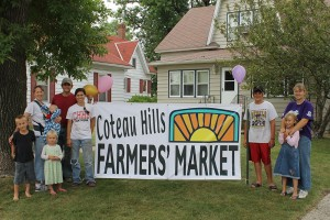 The crew for the Coteau Hills Farmers Market includes James, Yvonne, Eli, and Esther Herman, Jordan and Sarah Gackle, Wyatt Nitchke, Elizabeth and Jessica Herman. Photo courtesy Sarah Gackle.