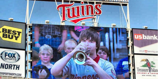 Trumpeter on Twins' stage