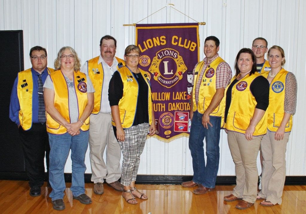 The Willow Lake Lions Club continues to get new members of all ages. Pictured are (back row, left to right) Scott Klaudt, Marshall Edleman, Matt Vandersnick, Tony Konechne, (front row, left to right) Pamela Cole, Carolyn Edleman, Jennifer Fischer and Ashley Konechne. Photo by Kristin Brekke Vandersnick