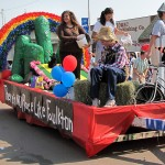 "Dorothy and Toto from the Wizard of Oz would have been right at home on the McCloud Family Float ""There's No Place Like Faulkton."" The float captured first in the Best Reunion/Family category. Photo by Faulk County Record"